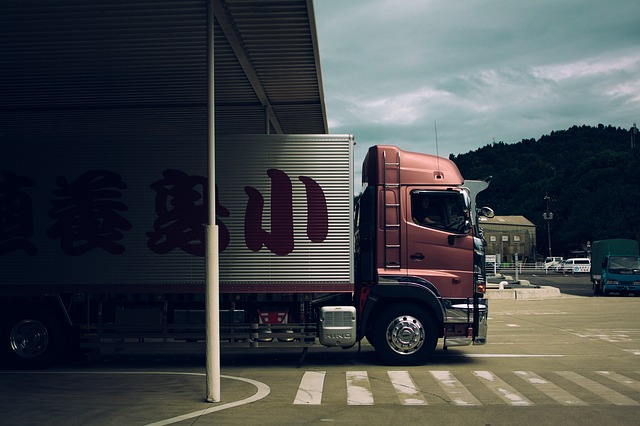 truck-1030846_640 (1)